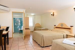 Bundaberg Holiday Accommodation Family
